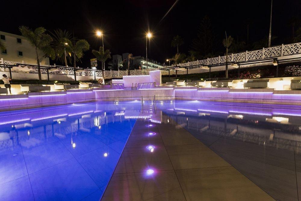 Fotos hotel caser o web oficial for Piscina playa del ingles